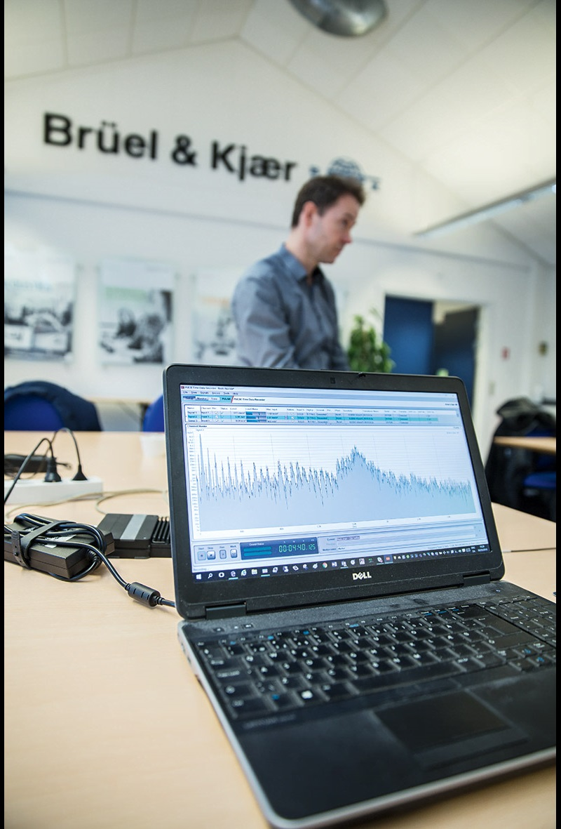 The data was recorded at Brüel & Kjær using an accelerometer and PULSE Time Data Recorder software